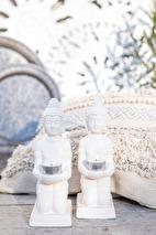 Maja, Buddha on knee