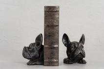 Bokstöd med bulldogshuvud