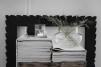 ..ERNST  Rund glasvas med läderband, H 15 cm