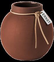 ..ERNST  Rund vas i stengods med läderband, H 10cm (rost)
