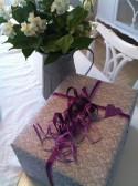 Present/Paket/Julklapp - färdiginslagen