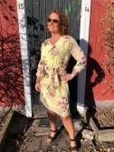 Blommig klänning, gul - Mix by Heart