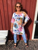 Blommig klänning, vit - Mix by Heart