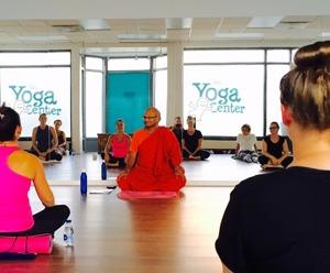 Workshop med budisst munken Bhant i Yoga och Meditation på Yogainstitutet i Halmstad