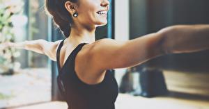 Använd ditt friskvårdsbidrag till hälsosam stärkande yoga på Yogainstitutet i Halmstad. Välkommen!