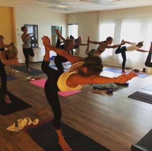 Yoga för nybörjare i Halmstad på Yogainstitutet i Halmstad