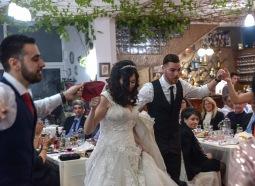 Bröllopsfästen var i full gång då vi anlände vid 23-tiden