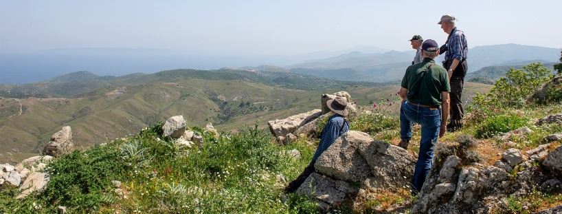 Vida vyer över ett kalt landskap, Västra Lesbos.