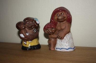 68-2, trollflicka med barn i famnen. 68-3 trollmamma med barn stående  vid sidan