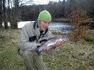 120331 Markus med fisk