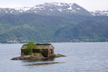Small cottage in a lake at Hardanger