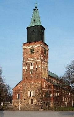 Frisenhem begravdes i Åbo domkyrka, Finlands nationalhelgedom.