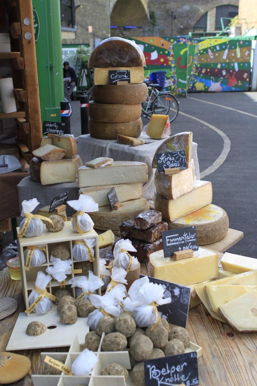 ooost! En ost vi smakade var med smak av rödvin och den var underbar!