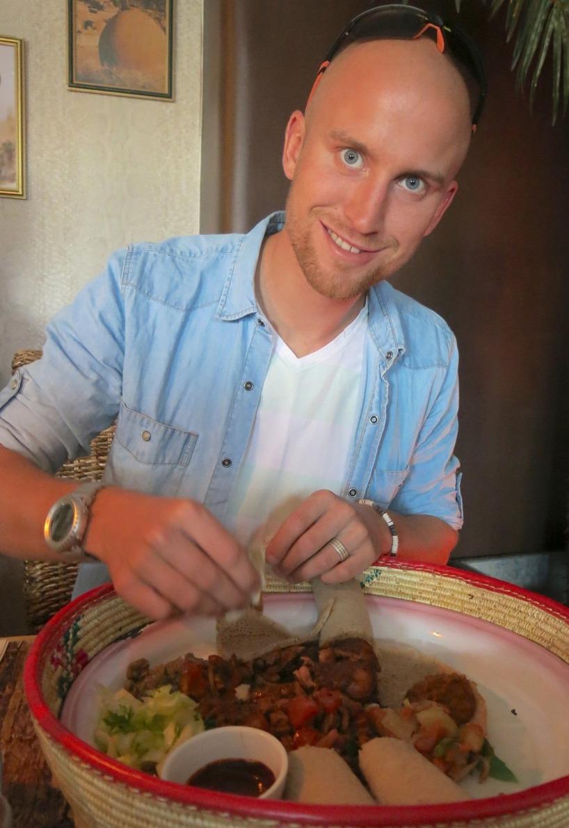 Det vattnades i munnen bara vi läste menyn! INGERA, TIBS och DORO WATT!!! MUMMS!