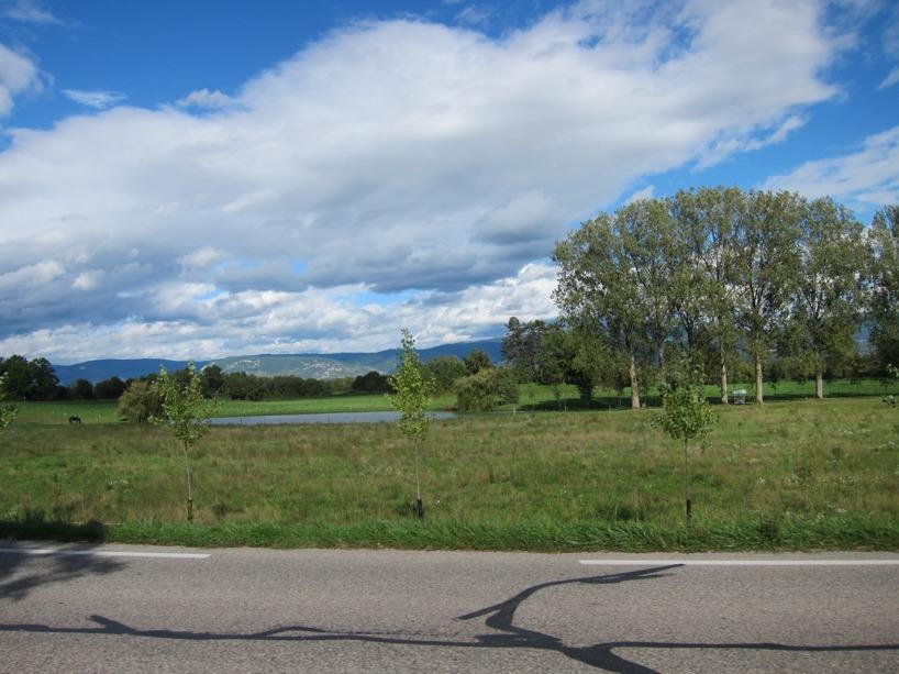 Äntligen blå himmel, bergsvyer och små sjöar :)