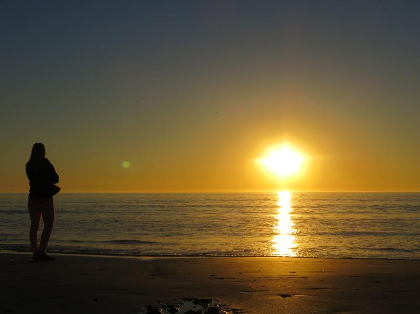 En så enkel sak att se solen sänka sig över Atlanten fick oss att rysa! Det var så vackert!
