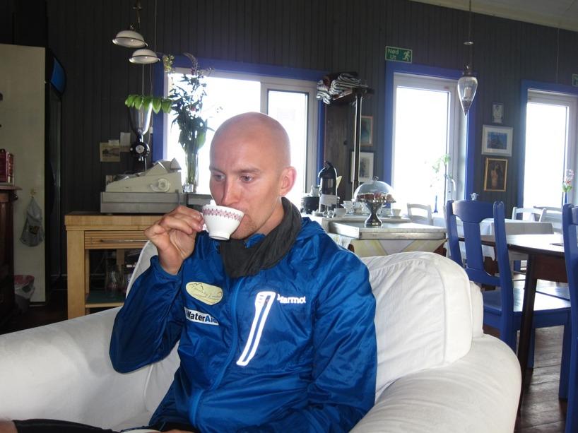 En kopp kaffe blev det framför brasan =)