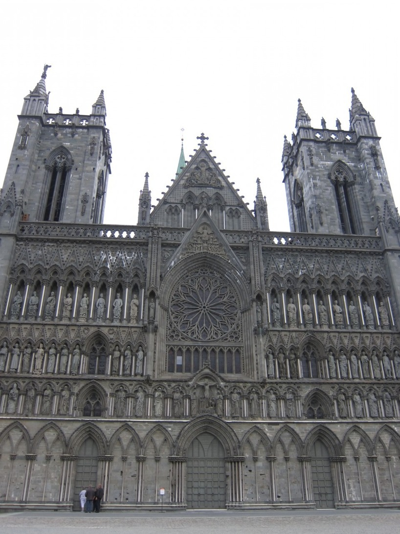 Den kända katedralen i Tromdheim