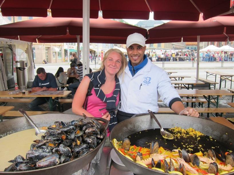 Sussie flörtade upp en italiensk Paella-kock på den härliga fiskmarknaden i Bergens hamn