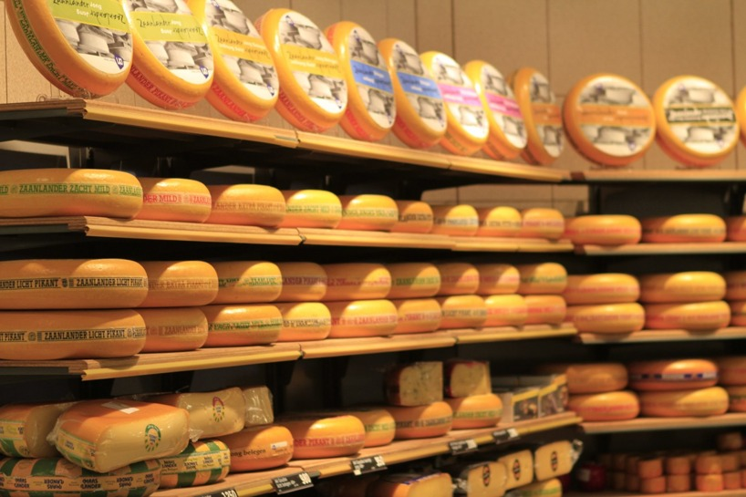 Om du gillar ost är Holland ett bra land att åka till med ett brett utbud - detta är taget i en vanlig mataffär =)
