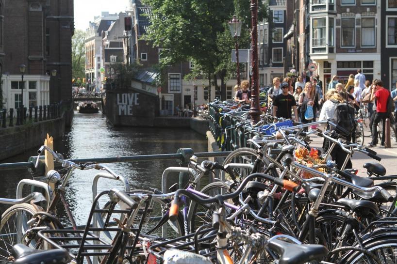 Kärlek till alla, bara i Amsterdam :)