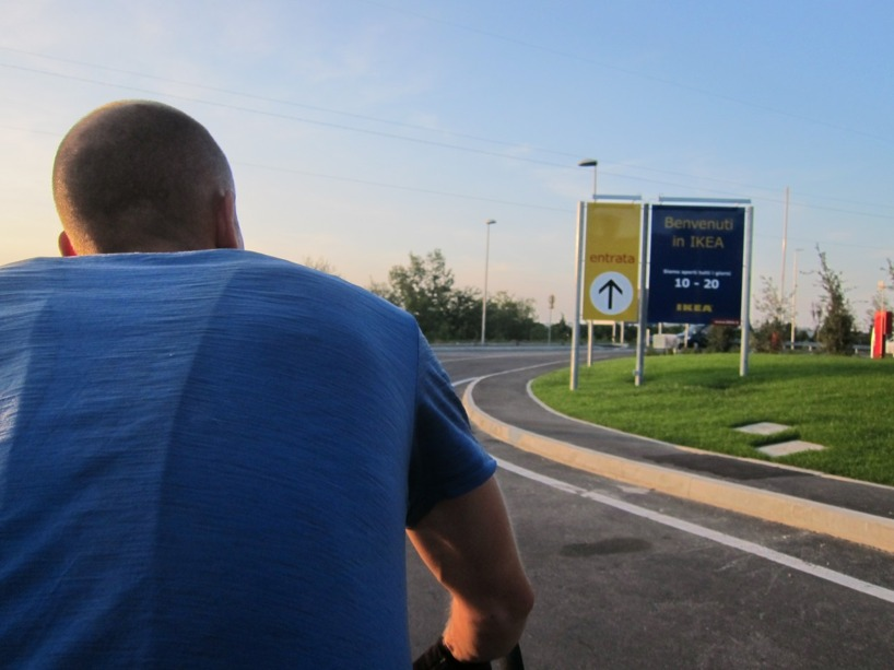 På väg ner mot Pescara fanns det ett IKEA. Det blev både fika och middag där =)