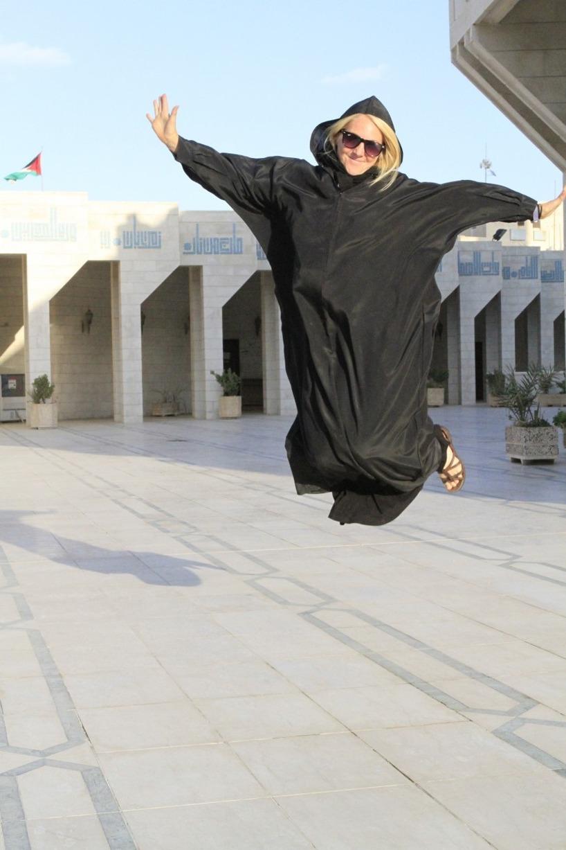 Det fanns iinte en levande själ utanför moskén  :)