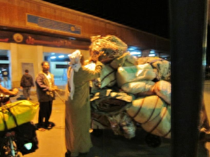 Här är ett Syriskt hem paketerat på en vagn!