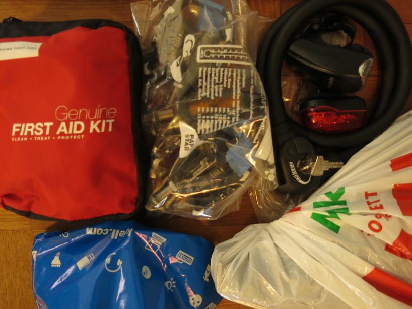 Första hjälpen, verktyg och våra pedaler.