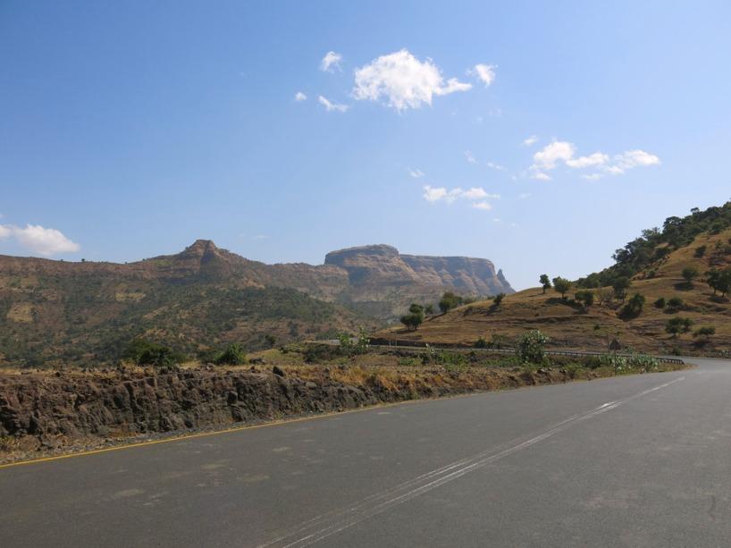 Här klättrar vi upp mot det etiopiska höglandet!
