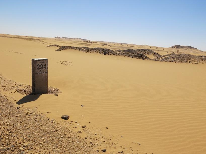 Avstånd till Khartoum och ändlös öken västerut!