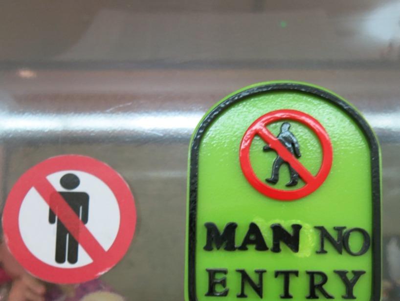 Vi ville unna oss en fotmassage men  män var tydligen välkomna