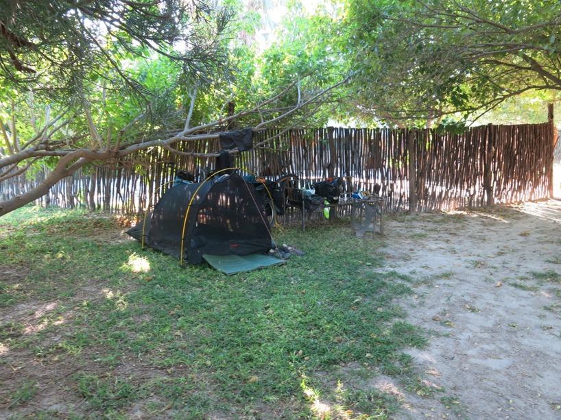 Vår tältplats på campingen i Maun