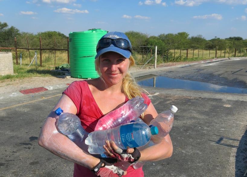 Det finns färre platser att fylla på vatten och det gäller att passa på när tilfälle ges!
