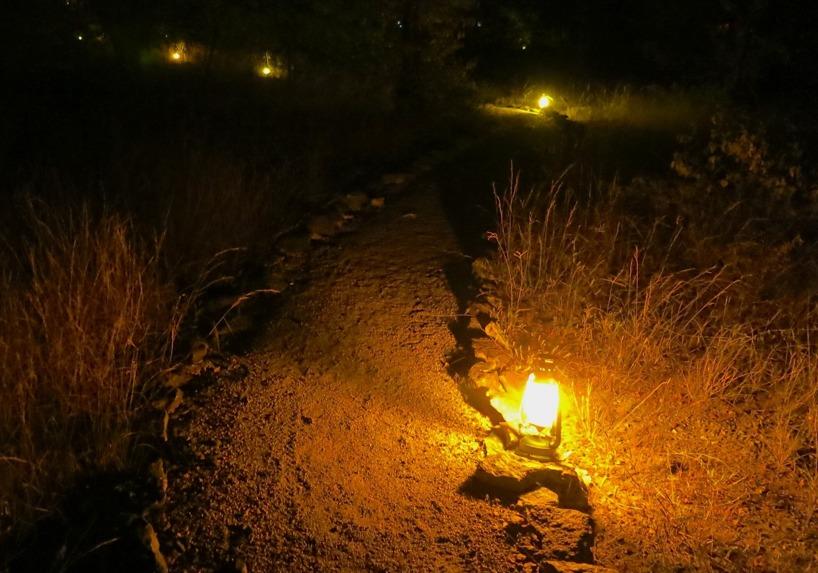 Fördelen med camping! Det finns ljus!