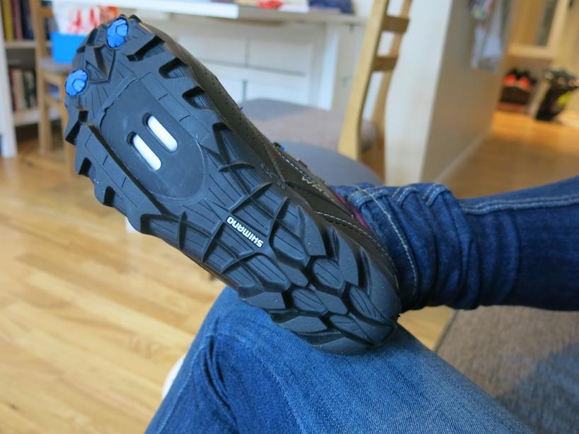 Valde MBT-skor istället eftersom landsvägskorna är som att gå med skridskor på asfalt :)