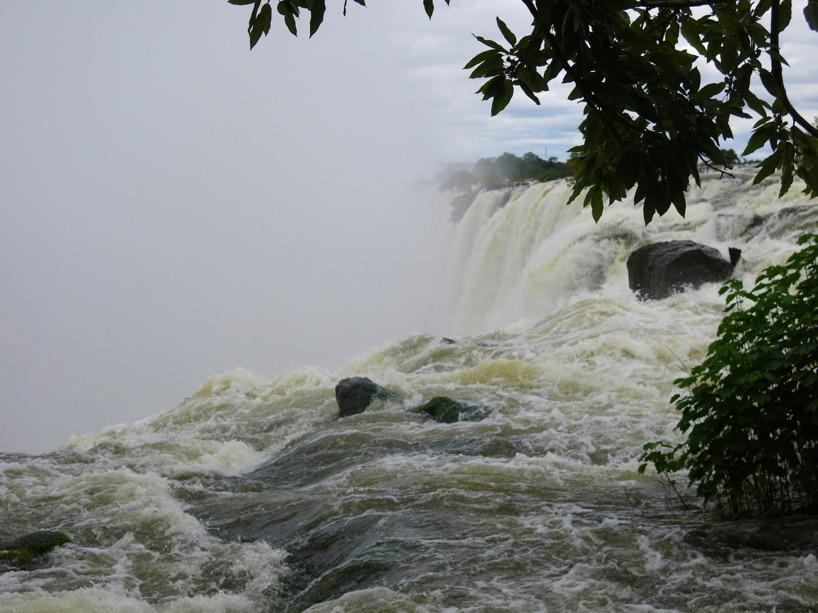 Victoriafallen är utsedd till en utav världens sju naturliga underverk! Vi förstår varför!