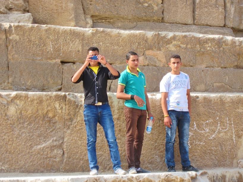 Till slut började vi fotografera tillbaka varje gång folk fotade oss....