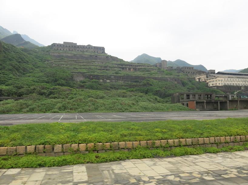 Jiufens gamla gruva markerar avfarten ståtligt...