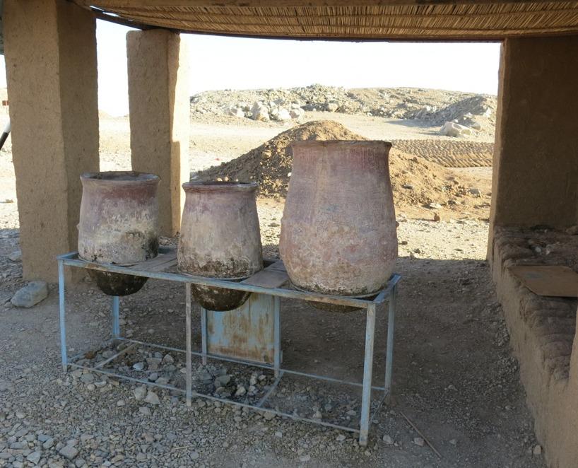 Keramikkrukorna har en god förmåga att hålla vattnet kallt