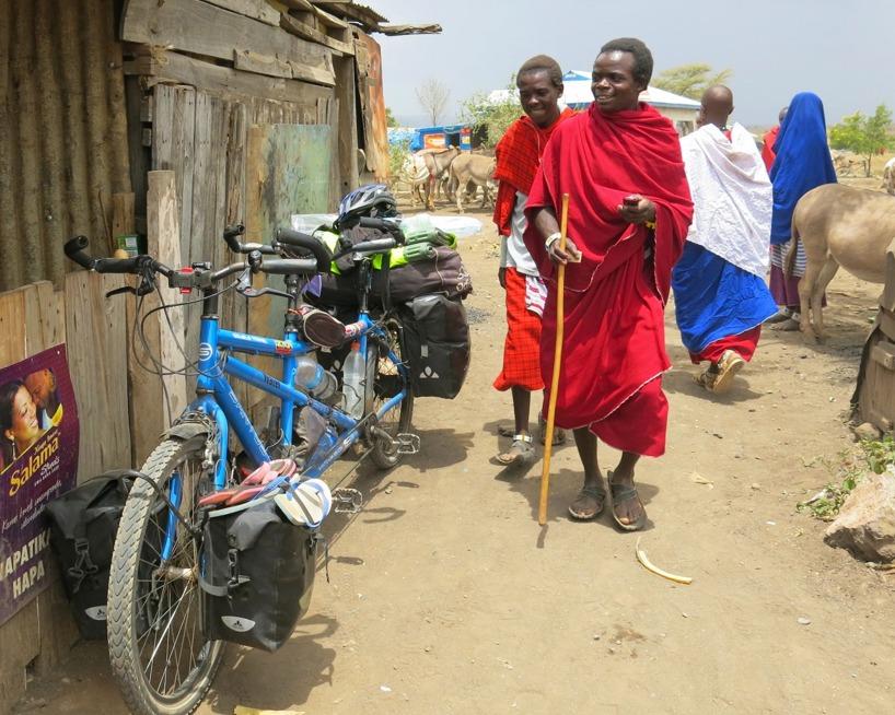 Vi får minst sagt mycket uppmärksamhet för att vi har denna konstiga cykeln =)