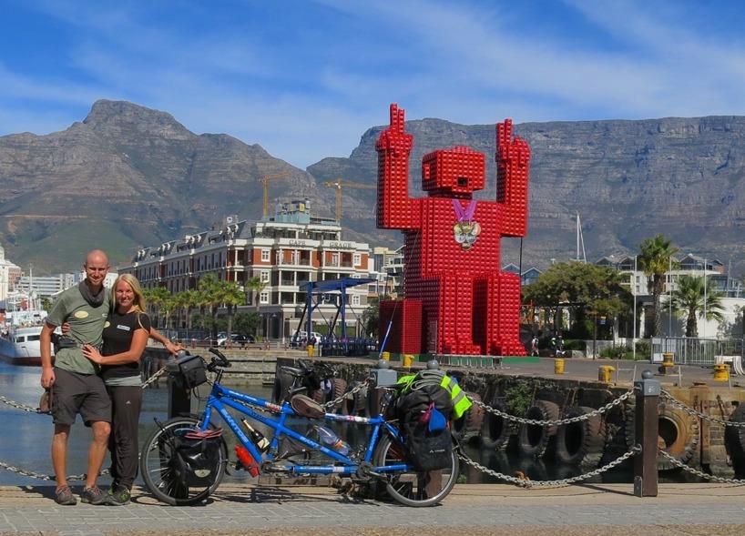 15 april Sydafrika, Kapstaden - Efter 300 dagar på cykelsadeln var vi äntligen framme!