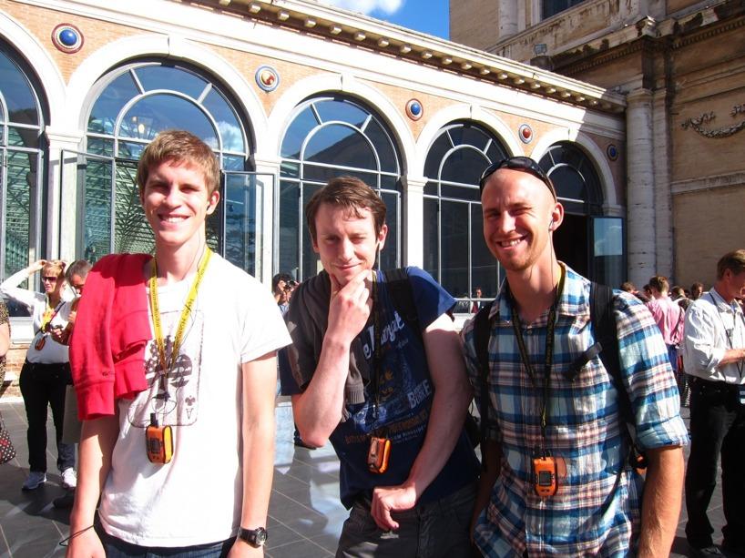Bröderna Pontus, Linus och Rasmus kör en guidad tur på Vatikanstatens museum- bra tur dessutom!