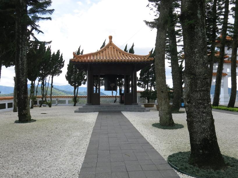 Ännu ett vackert tempel efter vägen!