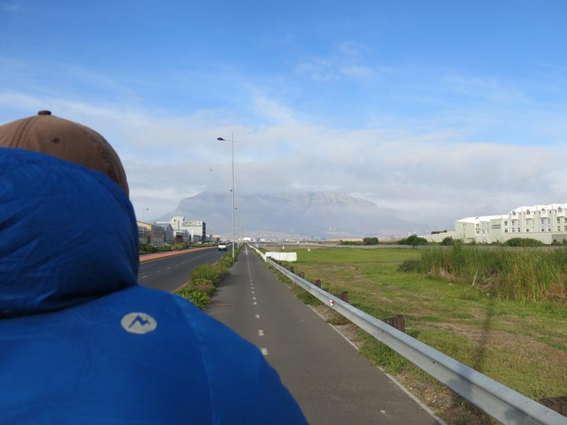 Denna bilden hade vi haft innanför ögonlocken i 100 dagar! Denna vision om att nå Table Mountain! Helt surrealistiskt när berget väl fanns där på riktigt!
