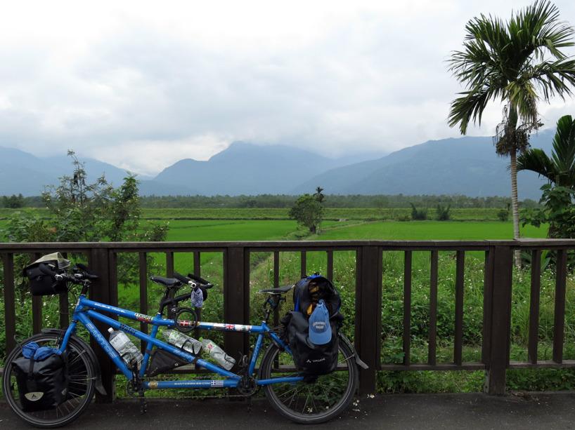 Underbar cykling efter den gamla järnvägen!