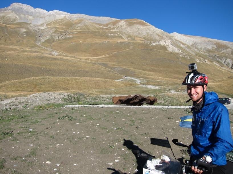 Dags att filma när vi susar ner genom de Italienska bergen!
