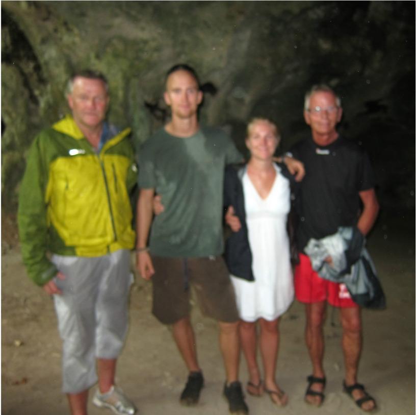 Haha, vi bad vår guide ta en bild utav oss alla fyra :) A real keeper ;)