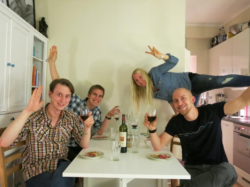 Bröderna Engberg tog en tur till Oslo, då vi lagade Zebra tills brandalarmet gick i hela huset!