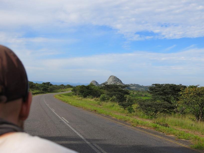 Lika kuperat som Etiopen visade sig Malawi inlandsväg vara!